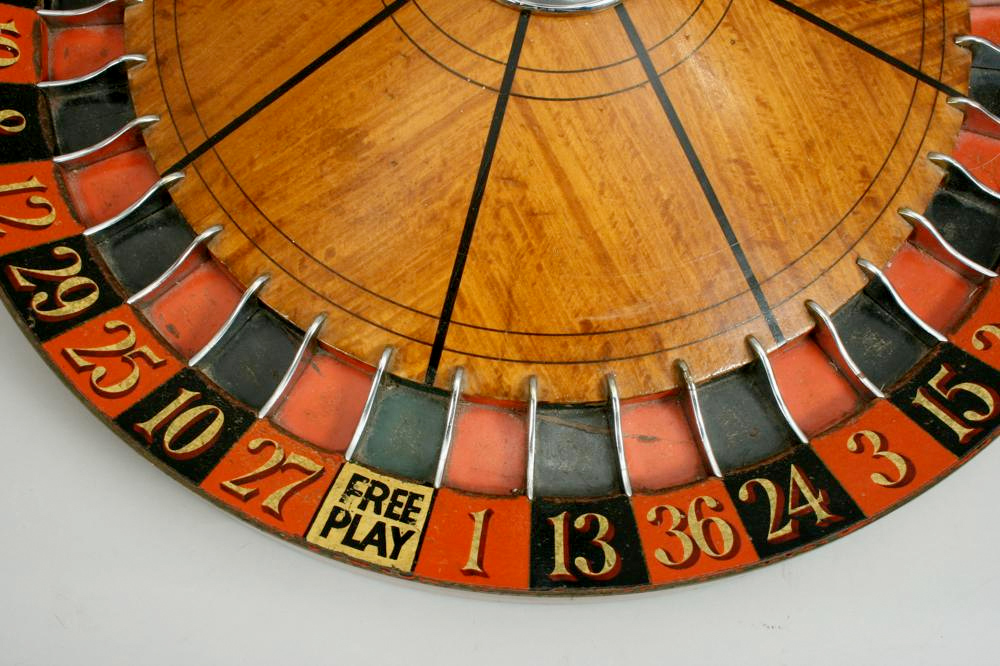 antique roulette wheel manfred schotten antiques megadeluxe for the love of speed sport. Black Bedroom Furniture Sets. Home Design Ideas